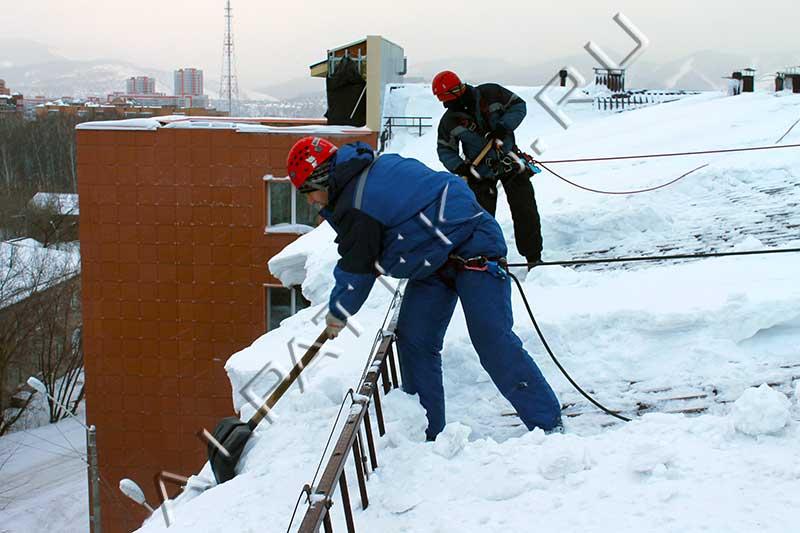 Скребки для уборки снега fiskars